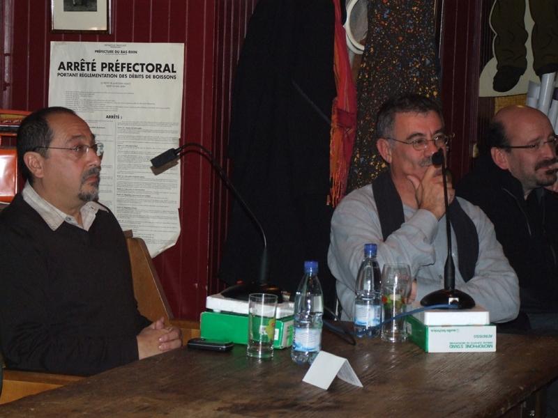 Les 2 invités face au public. Crédits : CNES/S.Klein