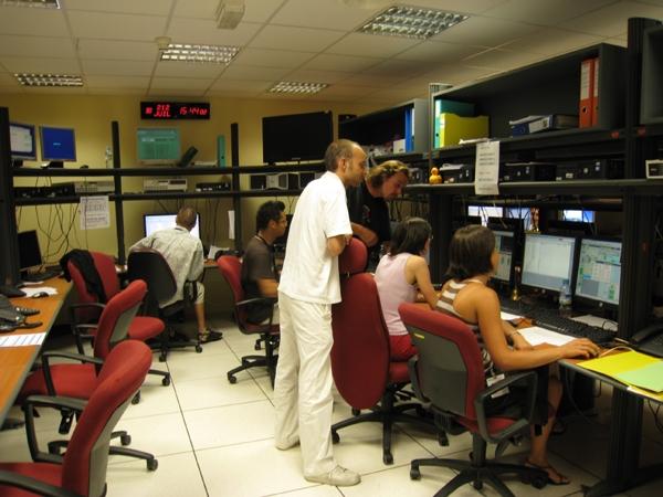 Le J2CCC à Toulouse veille sur Jason-2. Crédit : CNES.