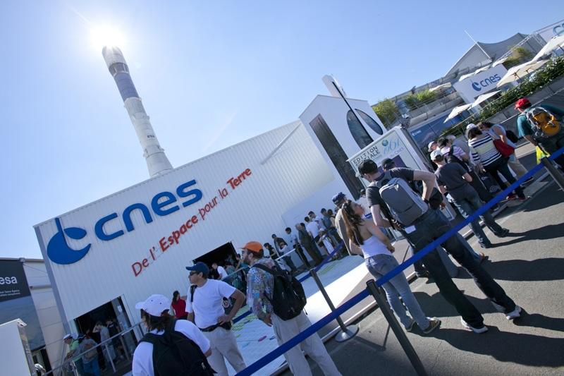 Le CNES au salon du Bourget 2011. Crédits : CNES/P. Kolko.