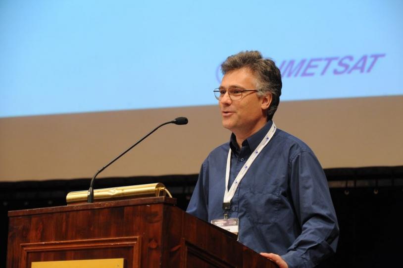 François Laporte a reçu le prix de la meilleure communication au Space Ops 2008, le 16 mai. Crédit : Space Ops 2008.