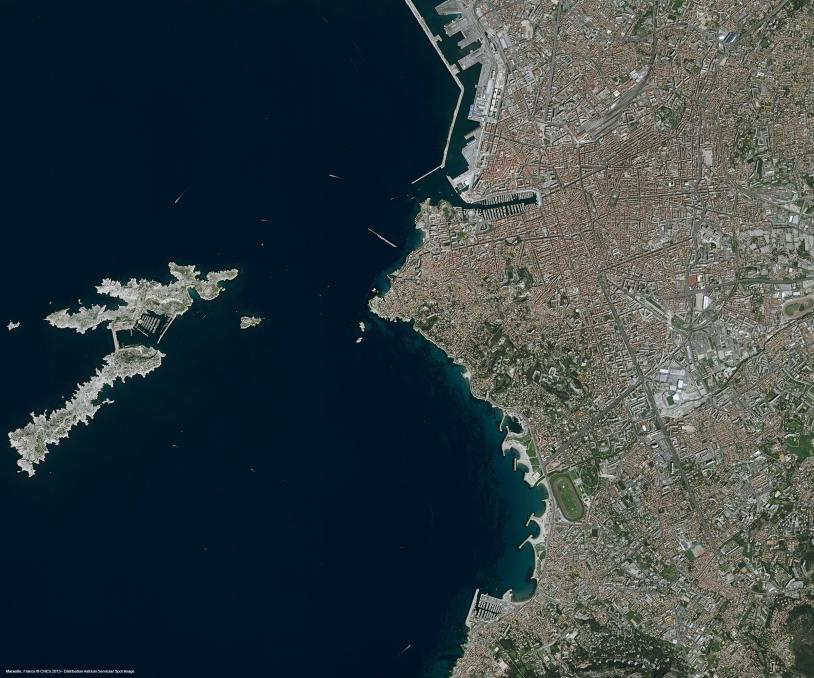 r24295_39_satellite_image_pleiades_marseille_france_2013-2